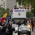 Fans Turun Ke Jalan Untuk Menyambut Kedatangan Tim Real Madrid