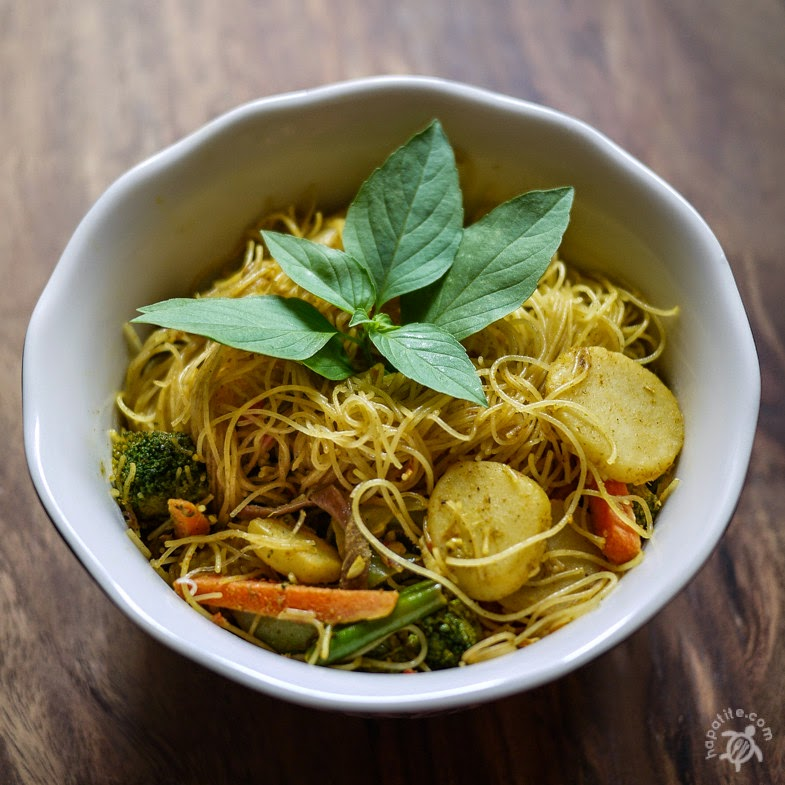 Singaporean Curried Vegetable Noodles | Hapa-tite