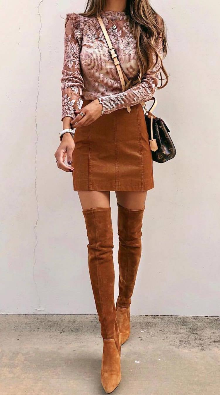 beautiful outfit_printed top + bag + brown skirt + over knee boots