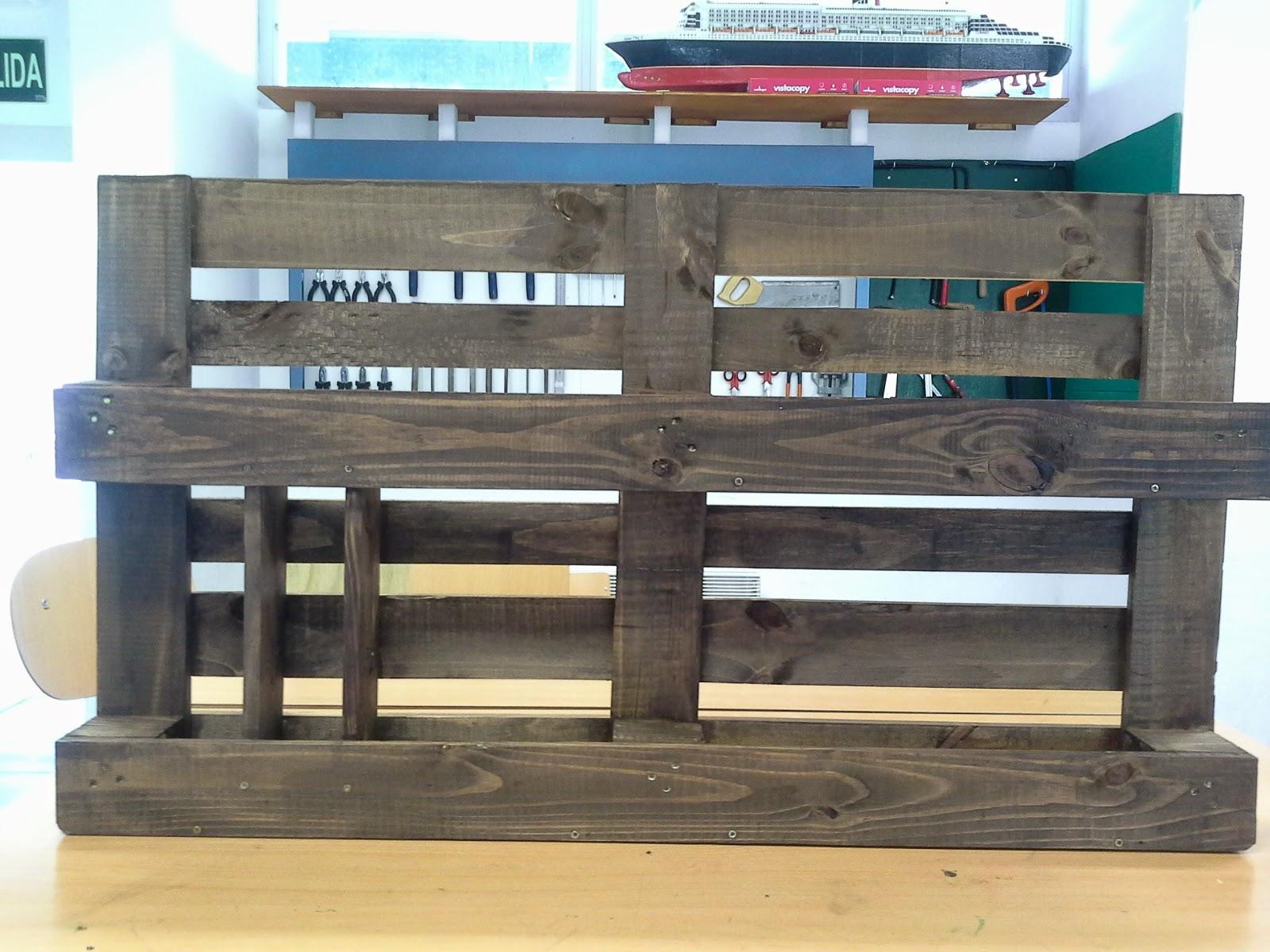 Mueble para organizar maderas en el aula de Tecnologa