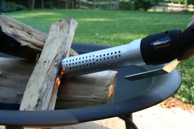 I am sharing an idea for a Mobile S'mores Caddy along with my favorite new tool from HomeRight that will get your fire going in no time!