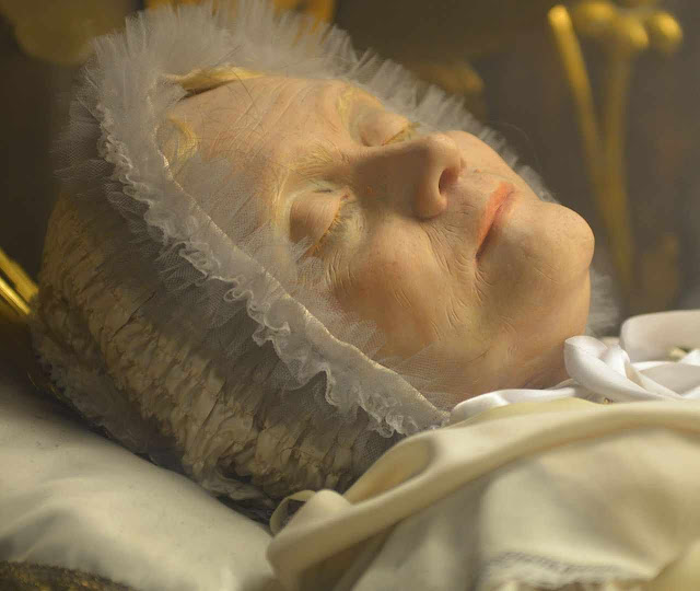 B. Ana Maria Taigi, detalhe de seu corpo incorrupto. Igreja de S. Crisogono, Roma. ©PauloRCampos