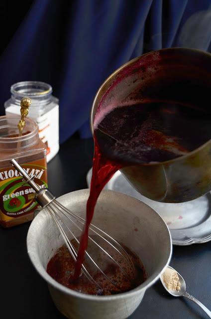 Ciocolata calda cu vin fiert