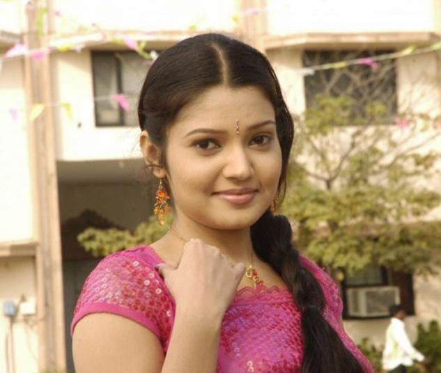 1stbuzz: Vandana Menon Hot Malayalam Actress