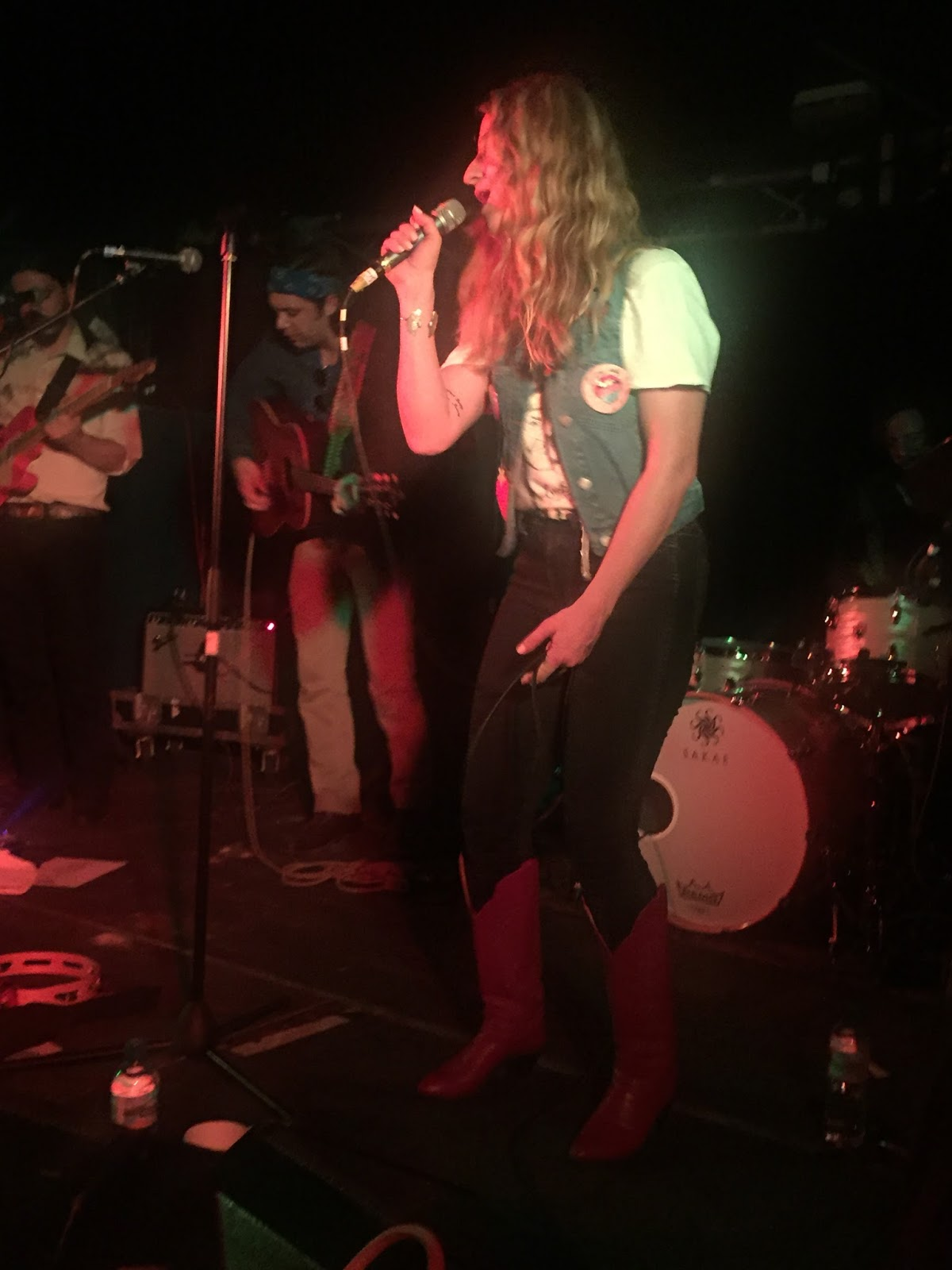 Buy margo price tickets margo price tour details margo - Margo Explained Early In The Show That An Injured Finger Prevented Her From Playing Guitar This Evening The Upshot From This Is That She Had To Play The