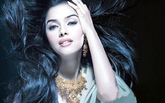 Asin Thottumkal Bollywood Actress Biography, HD Photos