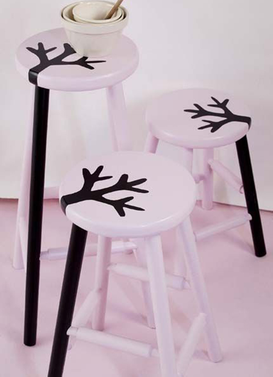 pintura no banco, painted stool