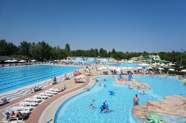 swimming pools at marina de venizia