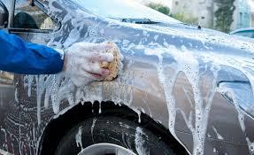 Cara Terbaik Mencuci Mobil (Dan Mengapa Harus dilakukan Sendiri)