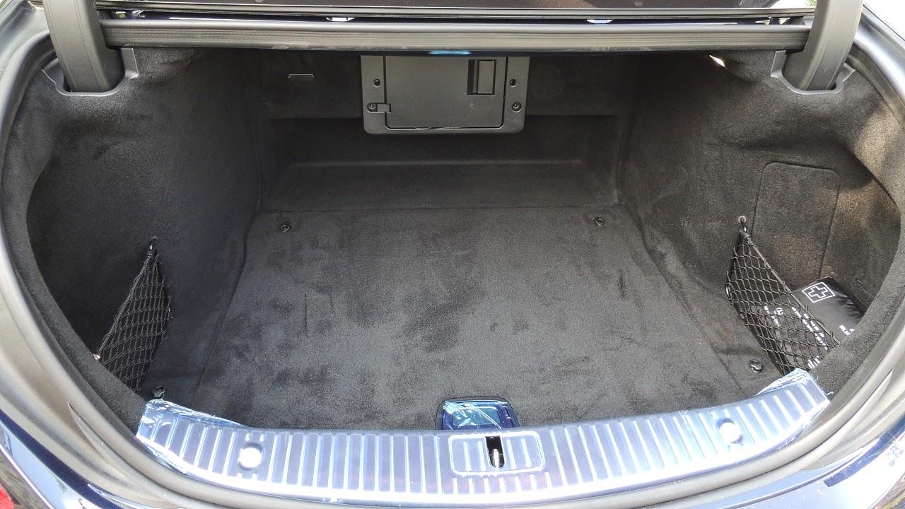 Mercedes S 500 L 4MATIC - komora bagażnika