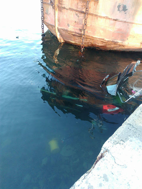 Πρέβεζα: ΙΧ έπεσε στο λιμάνι της Πρέβεζας - Φώτο