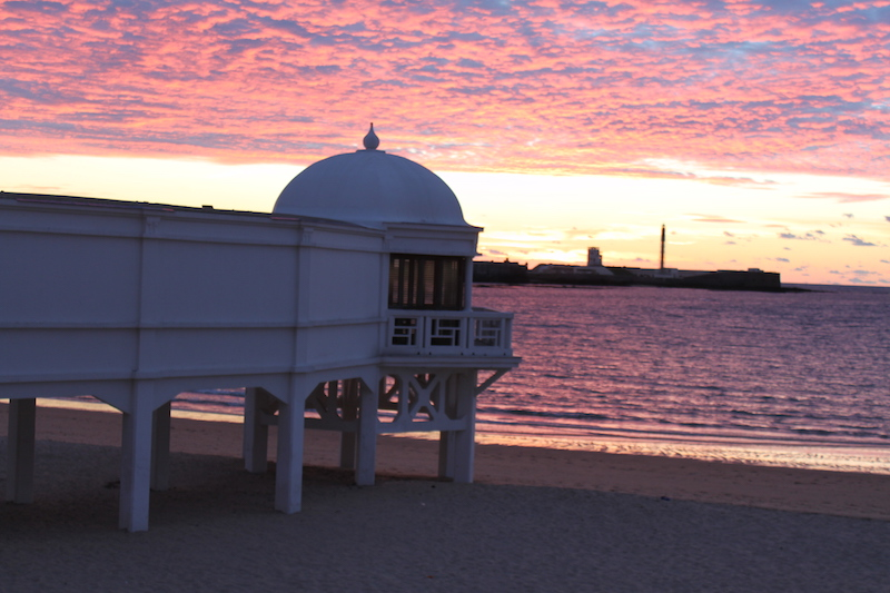 Playa la Caleta bei Sonnenuntergang