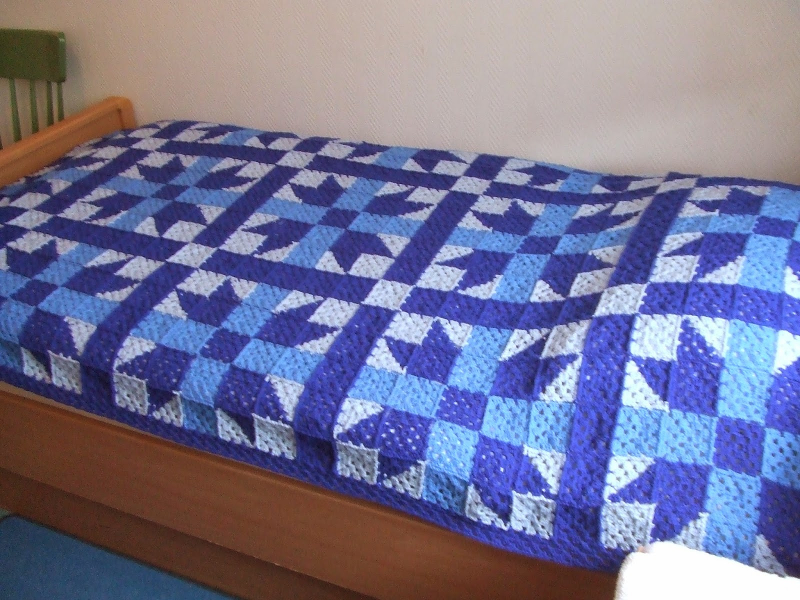 My World Of Crochet Stargranny Tagesdecke Blau