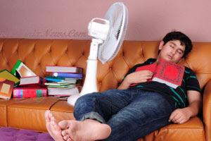 Bahaya Tidur Dengan Kipas Angin dan Cara Penggunaannya Yang Benar