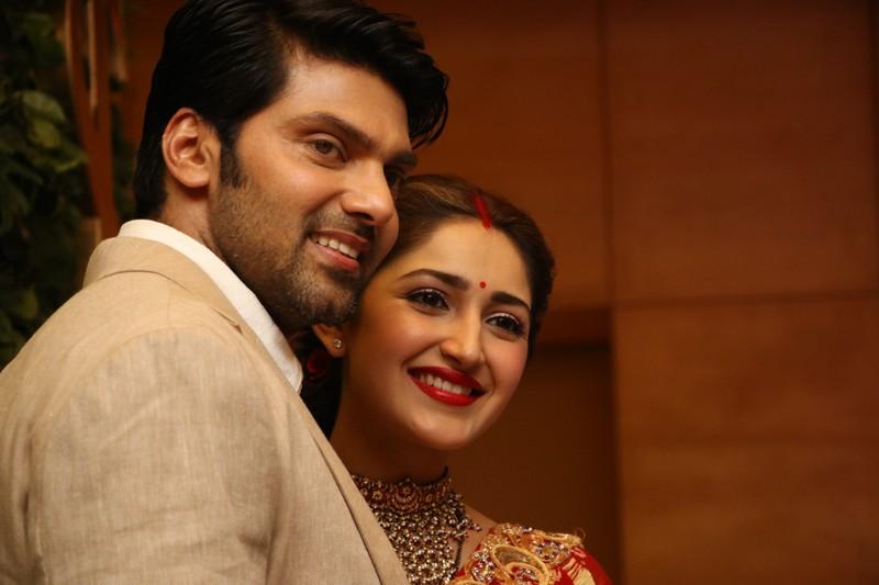 Malayalam Actress Arya Image: Actor Arya And Sayyesha Wedding Reception Photos