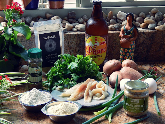 Com Cerveja, o tradicional Bolinho de Bacalhau