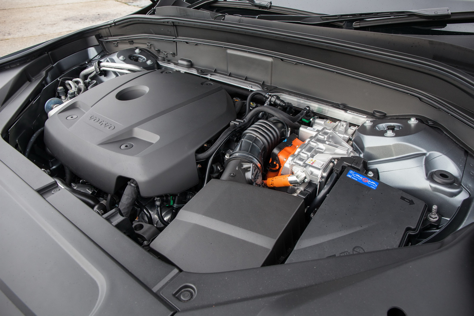Volvo Details Frugal Xc90 T8 Phev In New Gallery 192 Pics