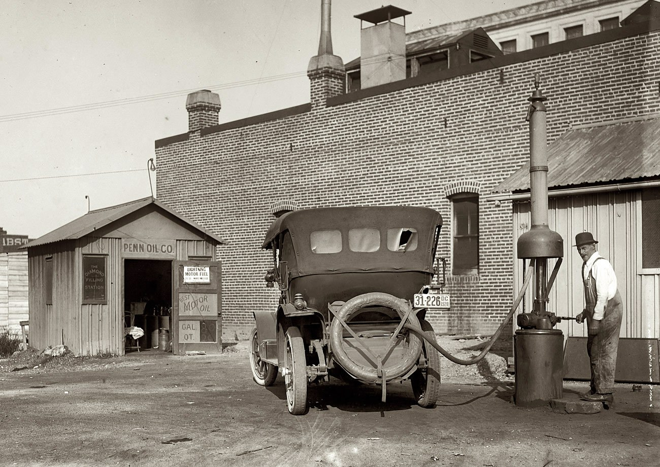 COMANDO BRAVO: Postos de gasolinas nas décadas de 20 a 70 ...
