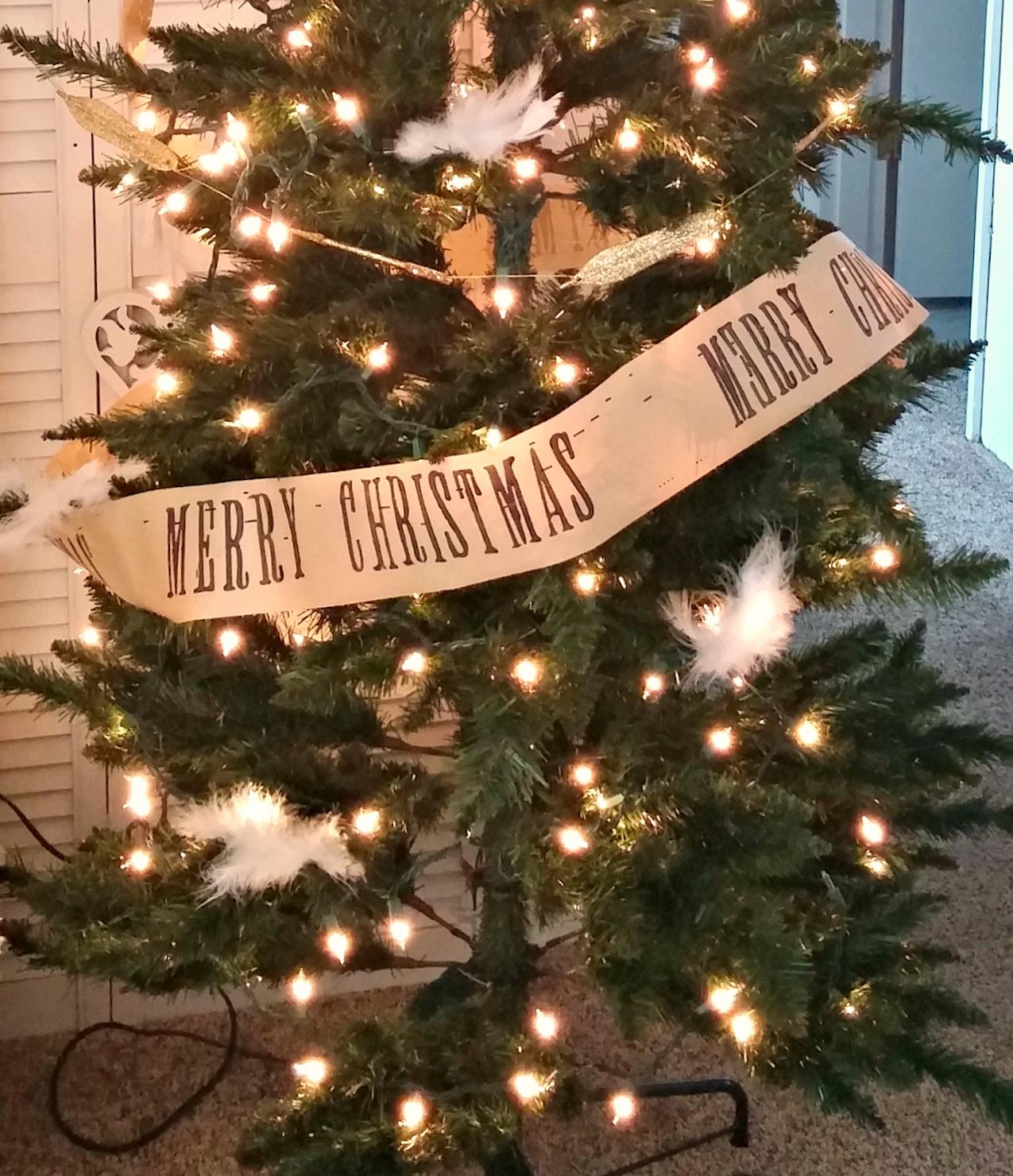 i found the glittery arrow and feather garland at hobby lobby last year - Hobby Lobby Christmas Garland