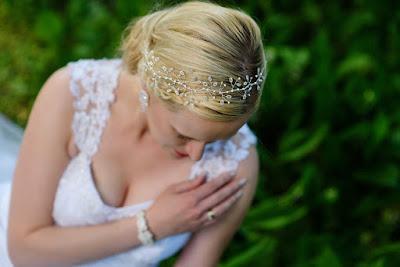 Biżuteryjny wianek ślubny.