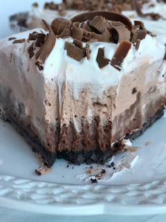 {no bake} Triple Layer Chocolate Cream Pie