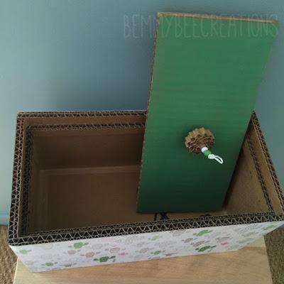 boite en carton motif cactus