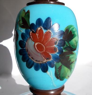 Antico lume di opaline adattato a lampada elettrica - antiquariato - complementi d'arredo