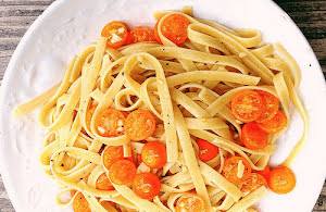 Tagliatelle Pasta with Cherry Tomatoes
