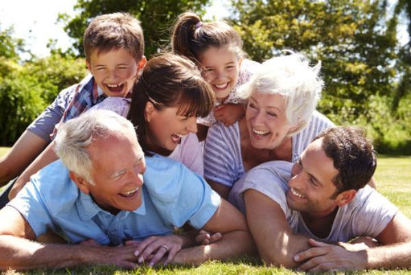 Cara Mengatasi Perbedaan Pola Asuh Kakek/Nenek dengan Pola Asuh Kita Terhadap Anak