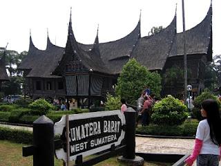 Obyek Wisata Taman Mini Indonesia Indah di Jakarta Timur