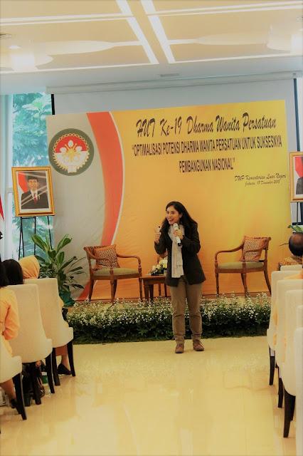 vivid argarini dharma wanita kementerian luar negeri DWP