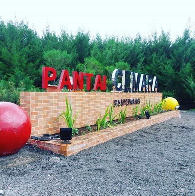 Pantai Cemara Banyuwangi Tempat Wisata Asik Untuk Liburan