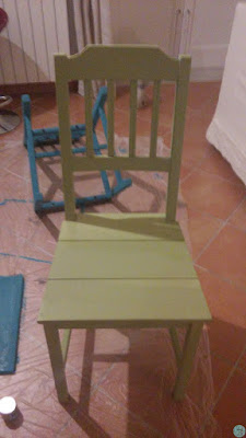 Restauro trasformazione sedia vintage colori acrilici Fleur verde acido