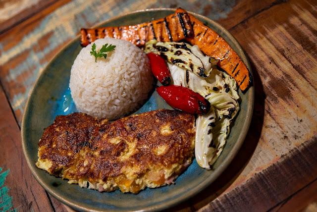 omelete de legumes restaurante fogão mineiro sousas