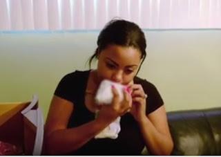 Wanita ini kecanduan mencium dan mengisap popok bekas pakai