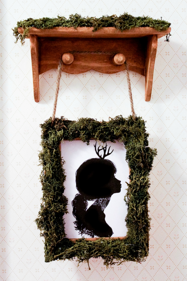 Hanging Moss Frame