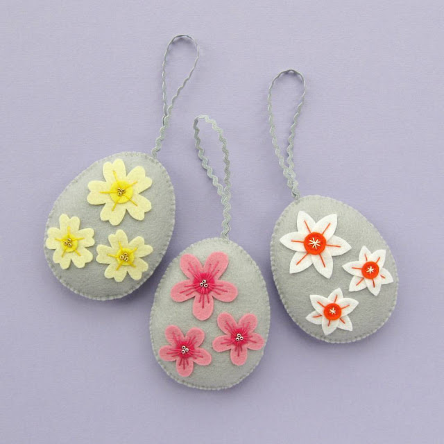 http://bugsandfishes.blogspot.co.uk/2017/03/felt-easter-egg-ornaments-tutorial.html