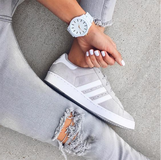 Hello Fashion - Grey Jeans, Grey Adidas Originals Sneakers