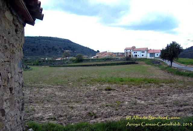 arroyo-cerezo-castielfabib-caserio