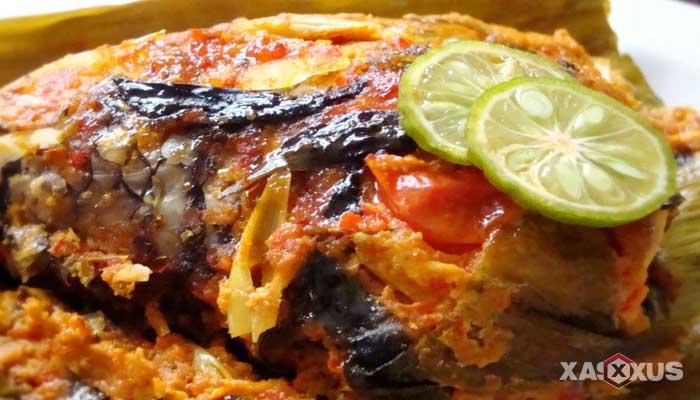 Resep cara membuat pepes ikan nila pedas