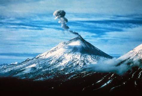 Nature – Iliamna Volcano in Alaska