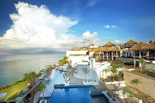 HHRMA - Waiter/Waitress, GRO, Lobby Ambassador at Samabe Bali Suites & Villas