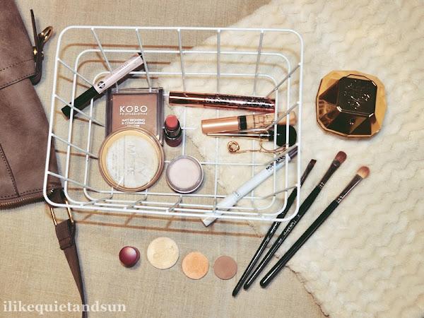 Jak minimalizm zmienił moje podejście do kupowania kosmetyków