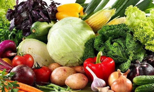 Назвали овочі, які корисніше їсти сирими