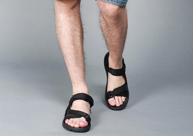 model sandal pria terbaru 2017