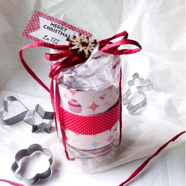 Scatola natalizia porta biscotti , riciclo bottiglia di plastica