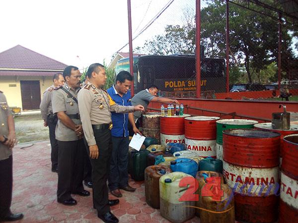 Polres Tanjungbalai Gerebek Gudang Penimbunan BBM, 3 Ton Disita