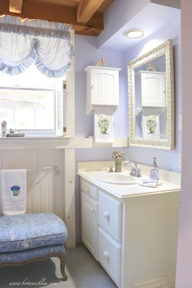 French Country style in a bathroom is easy with seven design ideas