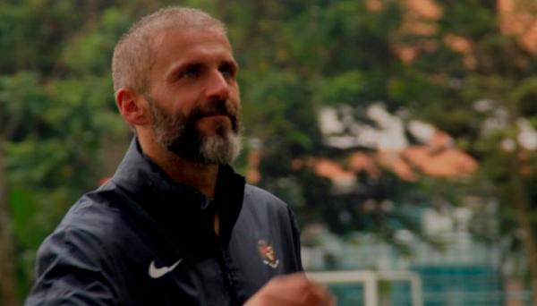 Eduardo Perez Gembleng Kiper Timnas Indonesia U-22, Yuk Lihat Videonya..