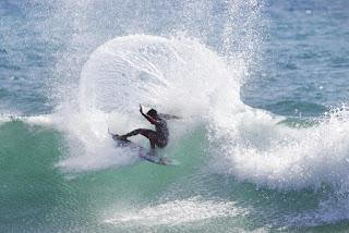 12 Filipe Toledo Hurley Pro Trestles foto WSL Sean Rowland